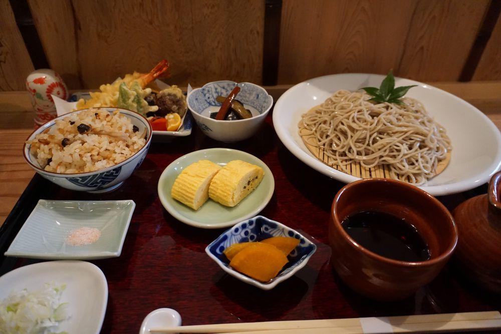 蔵座庵 せいろそば&定食&天ぷら全体