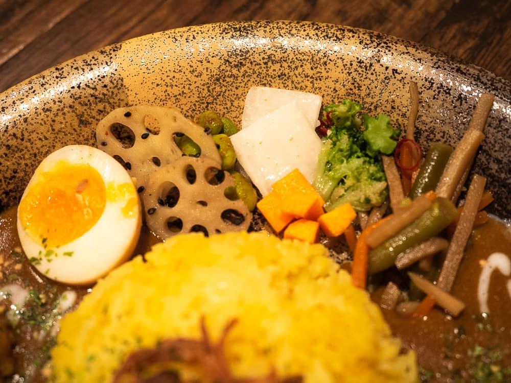 倉敷カレー チキンカレーの副菜
