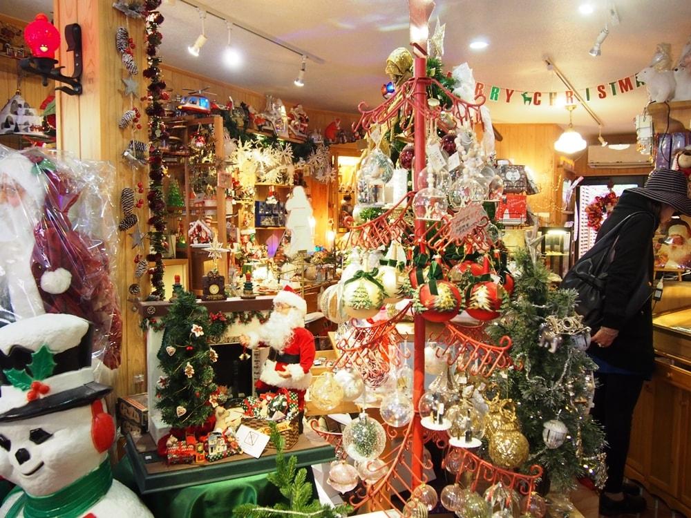 ファーザークリスマス 店内