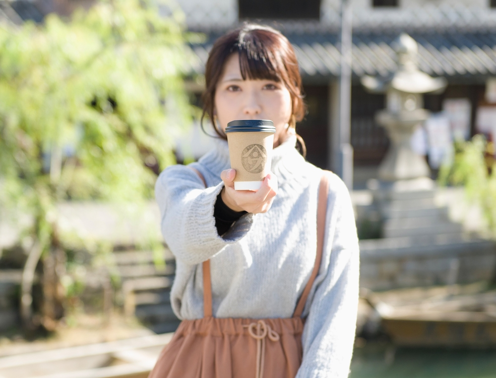 ヤマウ・コーヒースタンド 〜 老舗蒲鉾店がラテのおいしいテイクアウト専門コーヒー店に