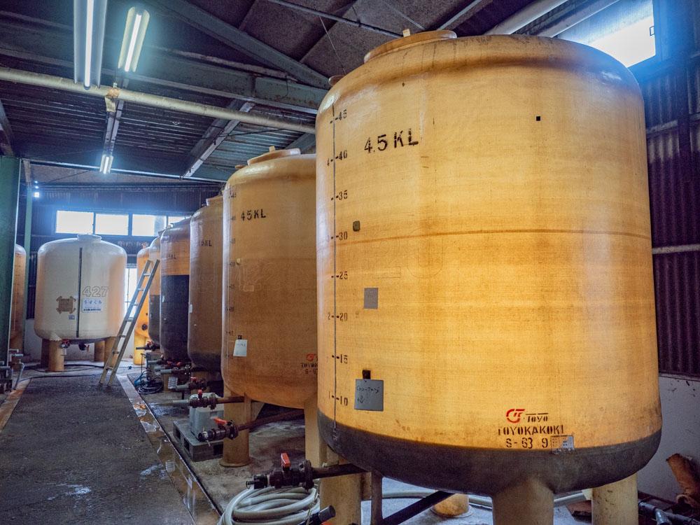 とら醤油:醸造場 生醤油貯蔵タンク