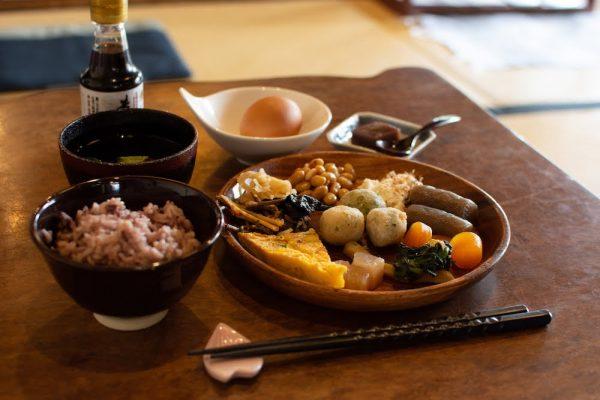 くらしき茶房 桜花 〜 おばんざいバイキングが美味しい、醤油をテーマにした倉敷酒津の古民家カフェ