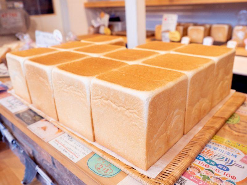 一本堂 岡山総社店 〜 毎日食べても飽きない健康志向の食パン。1時間ごとに焼き上げる食パン専門店