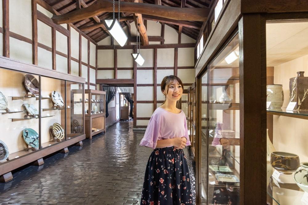 大原美術館 工芸・東洋館 ~ 趣向を凝らした床や壁も必見! 工芸品・古美術の豊富なコレクション