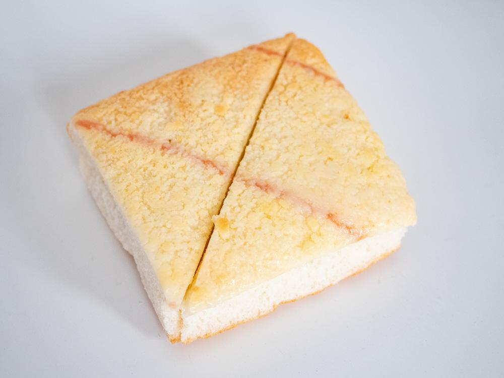 トングウの三角ジャムパン