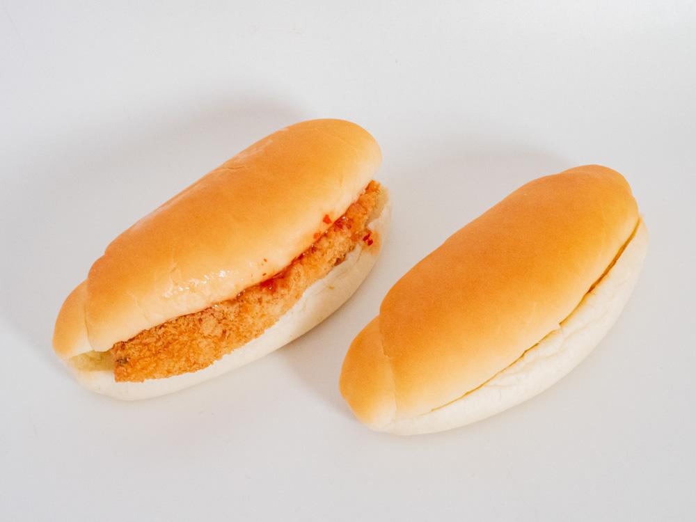 トングウの岡山コッペ(白身魚タルタルとピーナツバター)