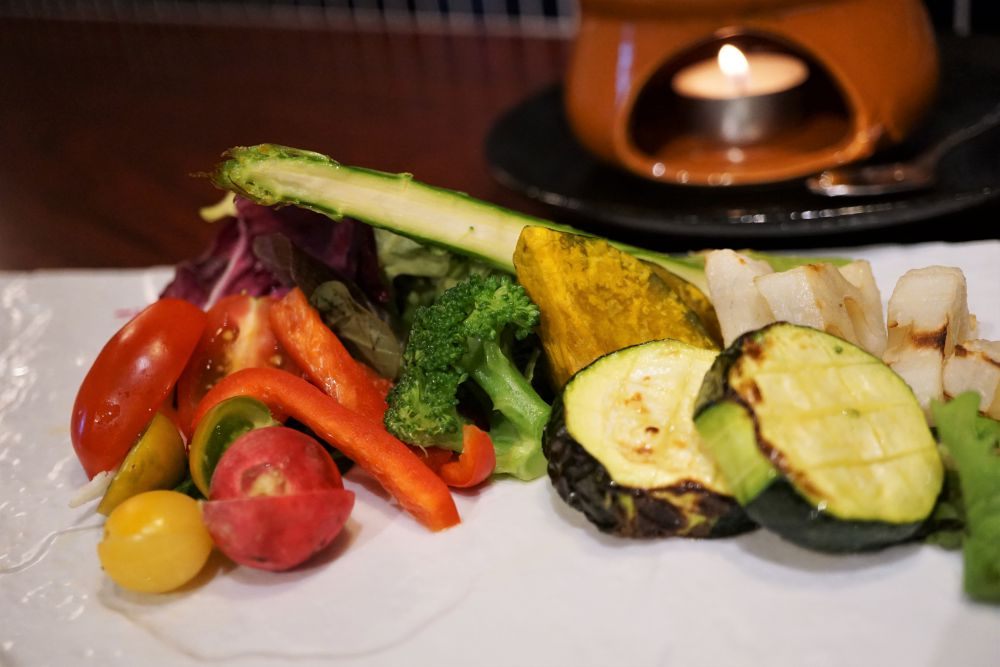 small ville 旬野菜のバーニュカウダー