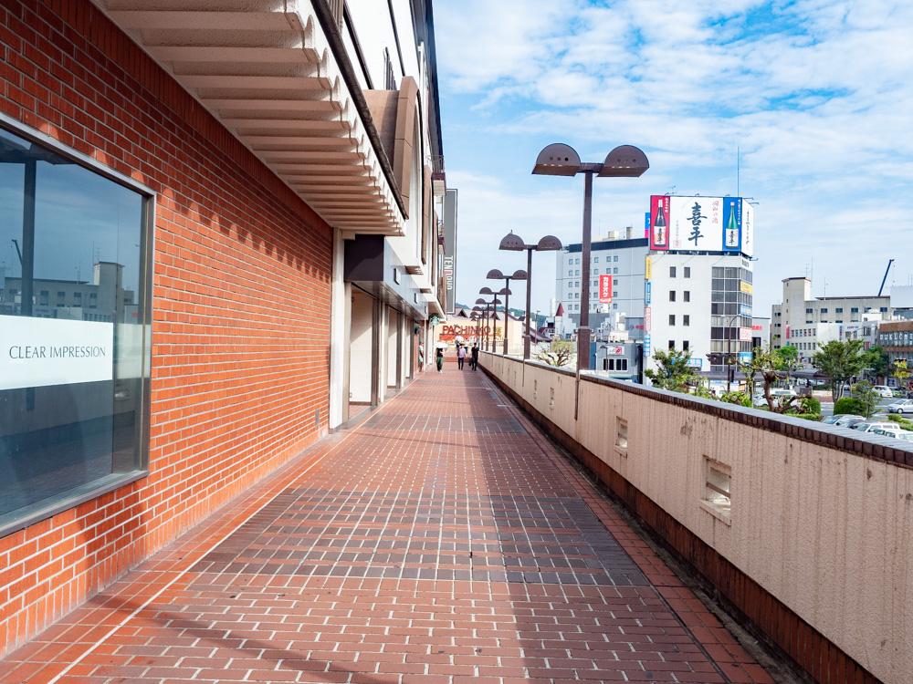 JR倉敷駅からふるいち本店・仲店方面へ向けて進む(天満屋前)