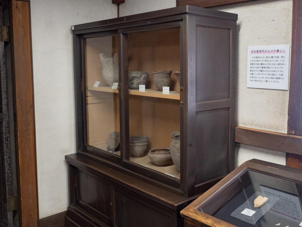 倉敷考古館:開館時からある展示棚