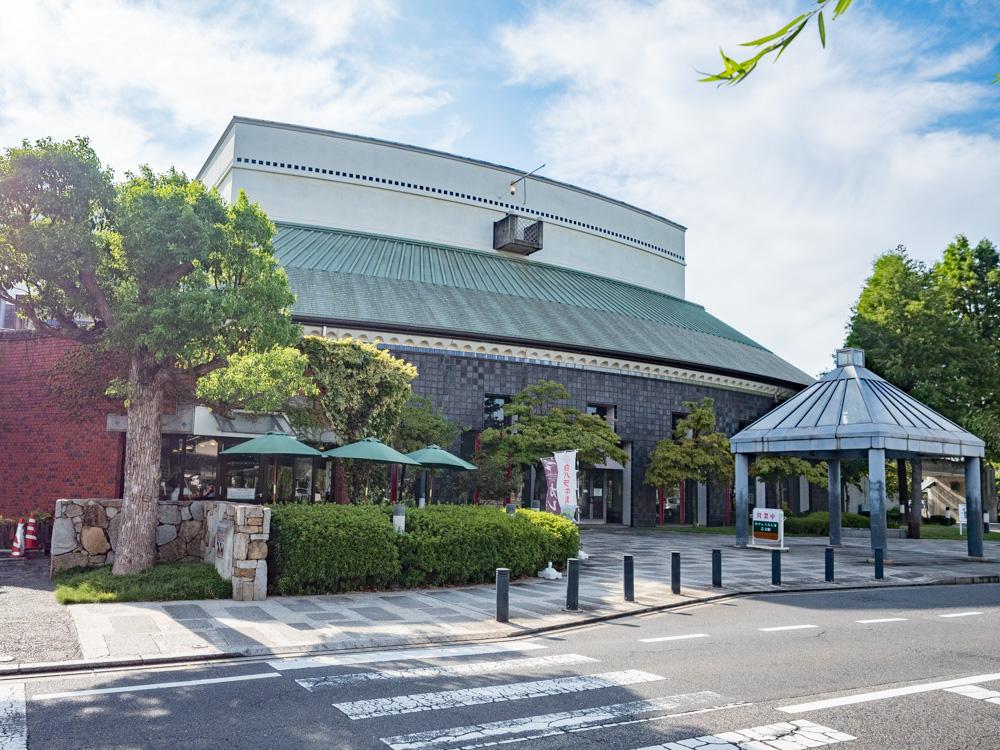 カフェ くらしき芸文館の外観
