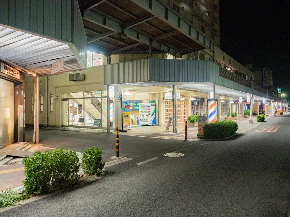 ディンプルへの行き方:鶴形商店街を北へ曲がる