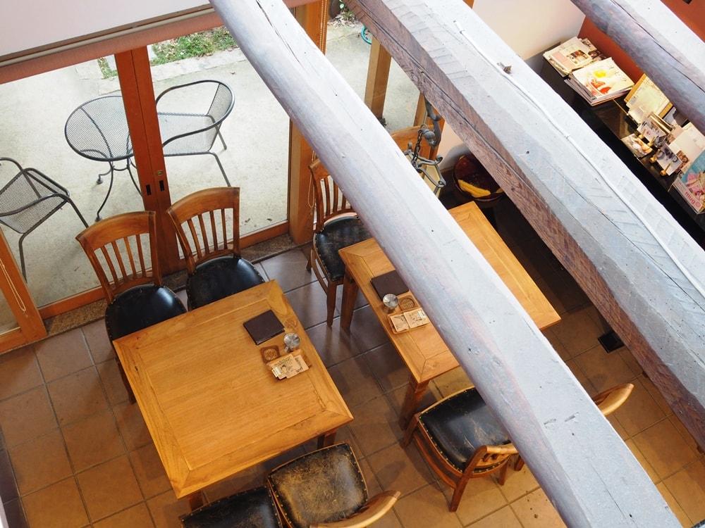 コバコーヒー 2階