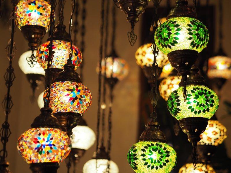 LA CASA(ラカサ) ~ 陽気なトルコの「おうち」へようこそ!ランプが彩る地中海料理専門店
