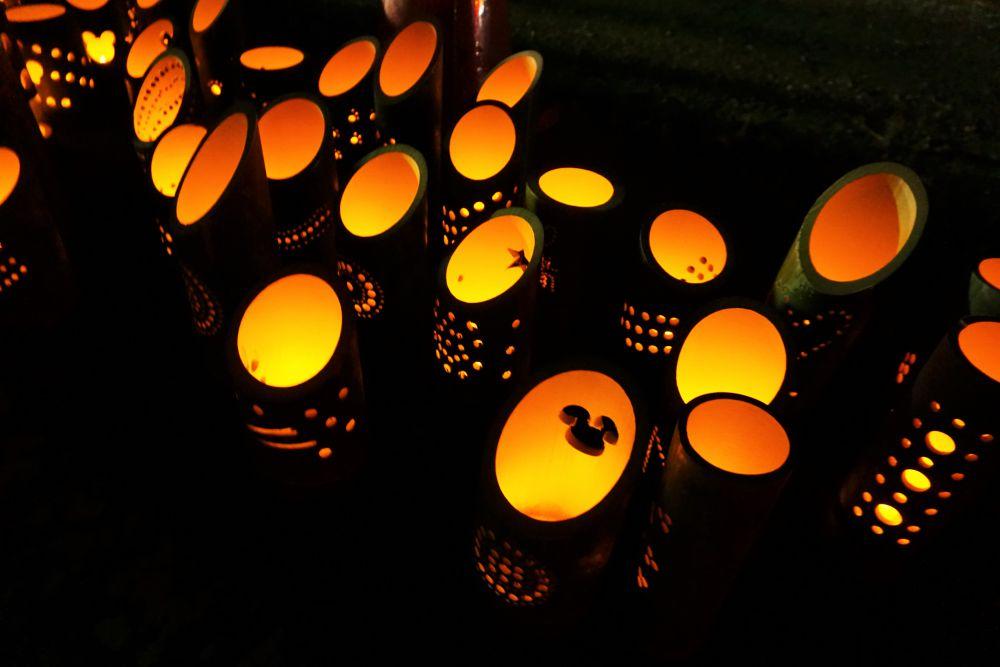 復興阿吽祭2019(令和元年12月15日開催) ~ 真備町の冬空に輝く花火と足元を照らす竹あかり