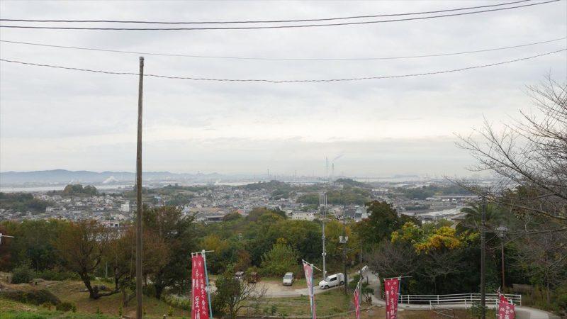 円通寺から水島工業地帯を臨む