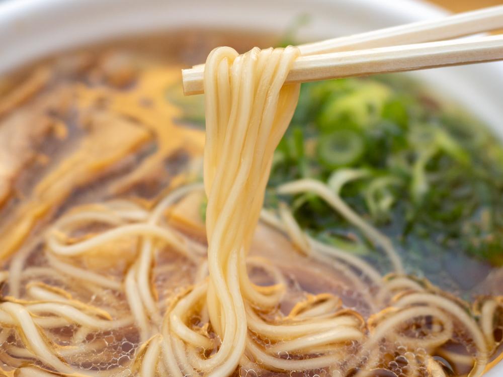笠岡ラーメン屋台:笠岡ラーメンの麺