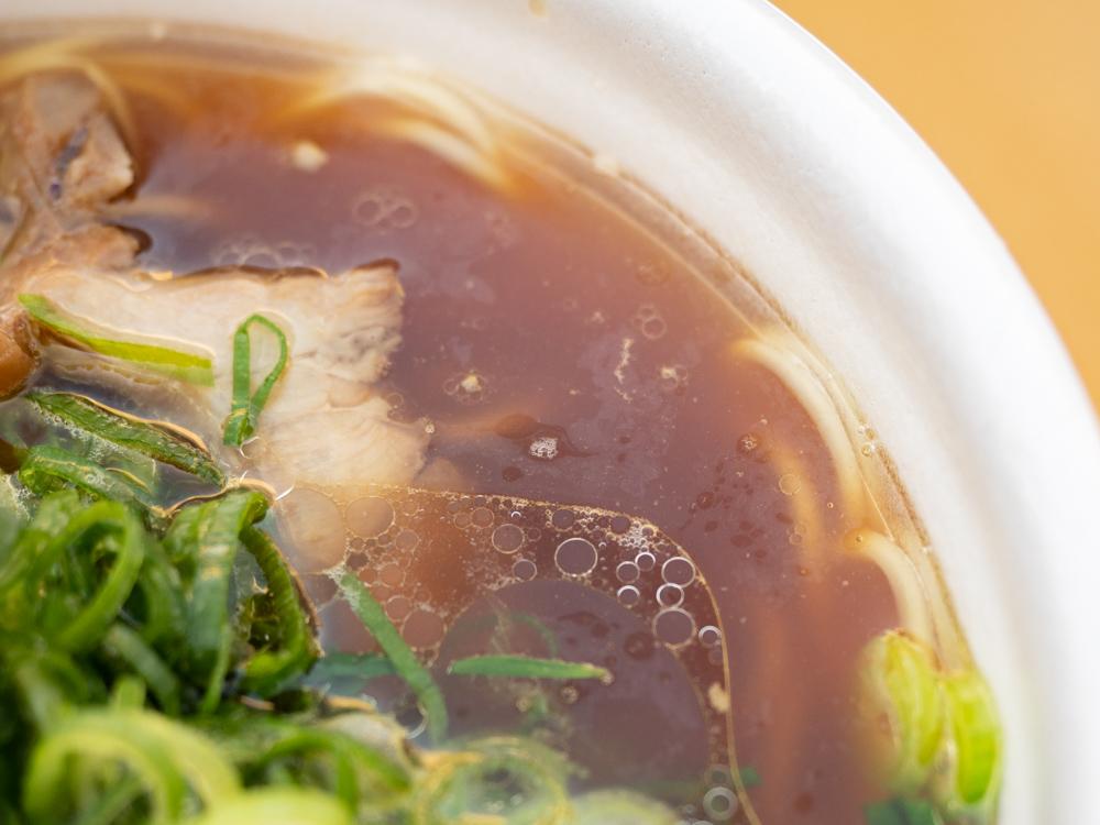 笠岡ラーメン屋台:笠岡ラーメンのスープ