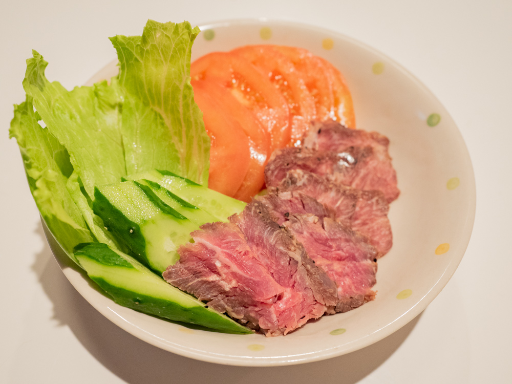 お肉バー ま、いっか:ネジクレトマト