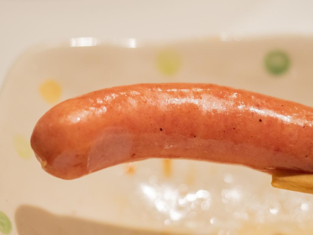 お肉バー ま、いっか:粗挽きウィンナー