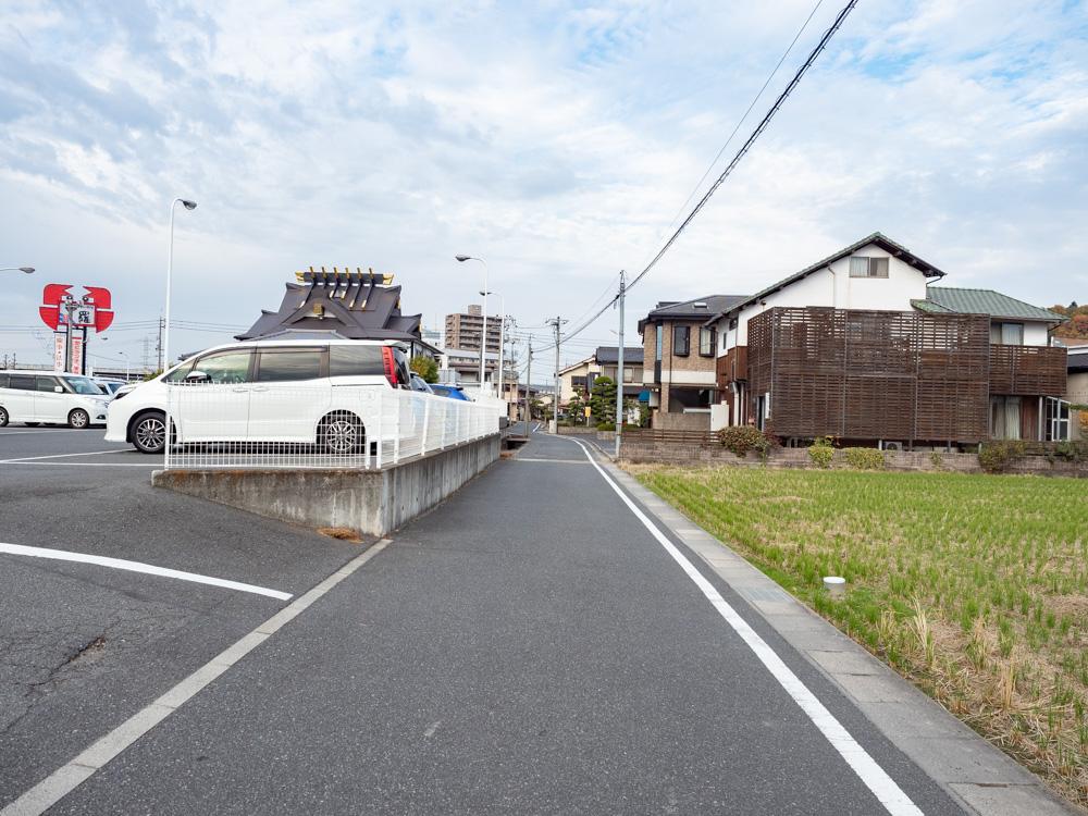 中村さんちのうまいもの工房への行き方:大高街道の甲羅本店前を左折して約80m進む