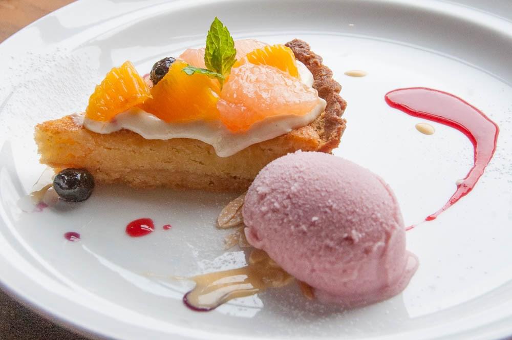 Shop&Cafe 三宅商店 のケーキとアイス