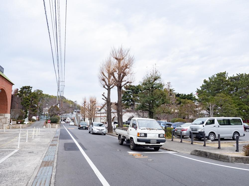 城山稲荷神社への行き方:アイビースクエア前