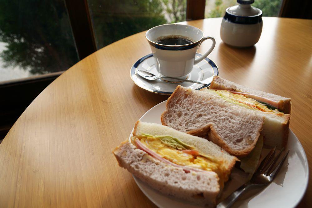 COFFEE HOUSE ごじとま サンドイッチとコーヒー