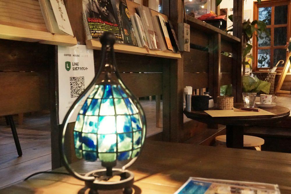 COFFEE HOUSE ごじとま 店内