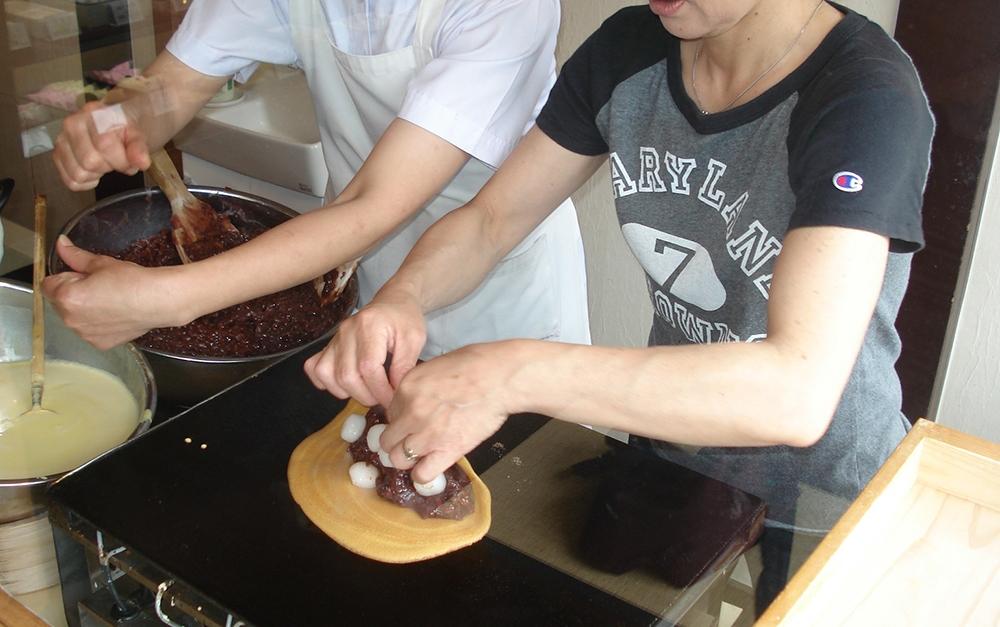 橘香堂:美観地区店 むらすゞめ手焼き体験(ジャンボ)