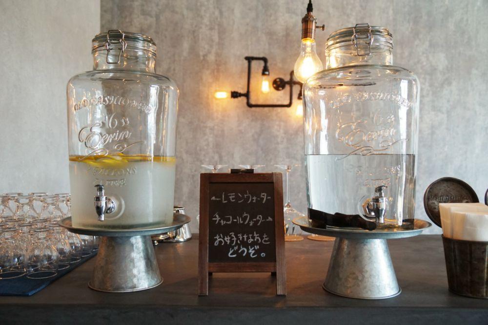 CAFE BRIDGE レモンウォーターとチャコールウォーター