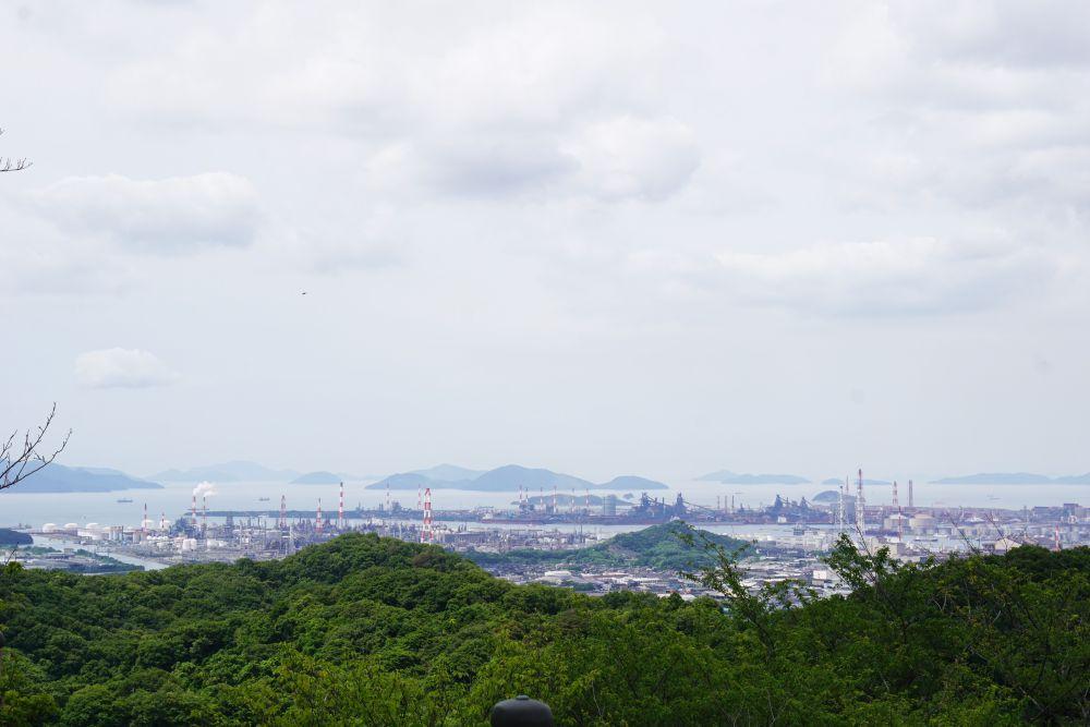 種松山公園から見る水島コンビナート