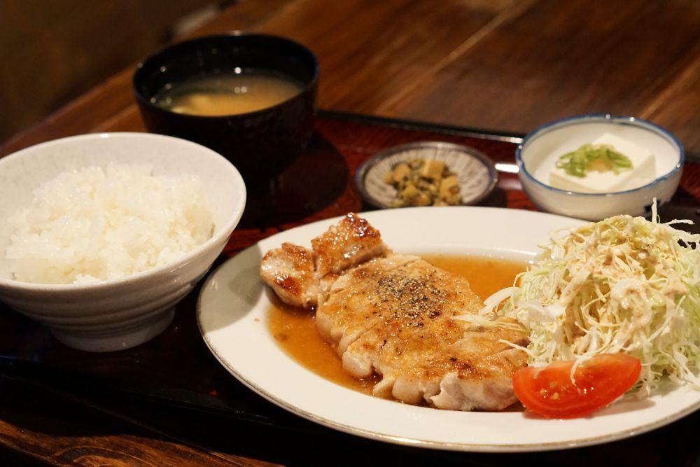 ノラネコ食堂真備店 東京田中のジンジャーポークソテー