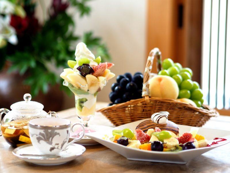 パーラー果物小町 ~ 1年中フレッシュな岡山県産果物が味わえる!癒しスポットの竹林庭園も見どころ