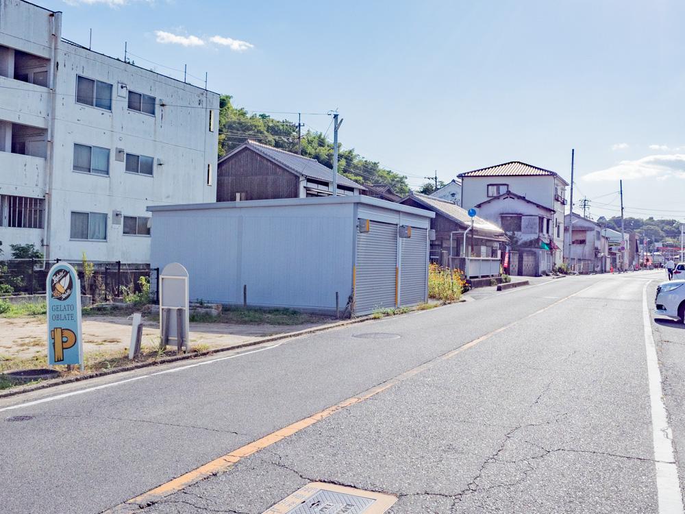 オブラーテ:駐車場から店舗への行き方
