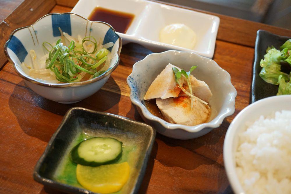 CAFE&DINING GLITTER(カフェアンドダイニング グリッター) 鶏の唐揚げ定食