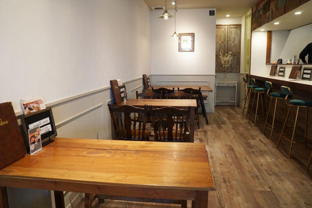CAFE&DINING GLITTER(カフェアンドダイニング グリッター) テーブル席