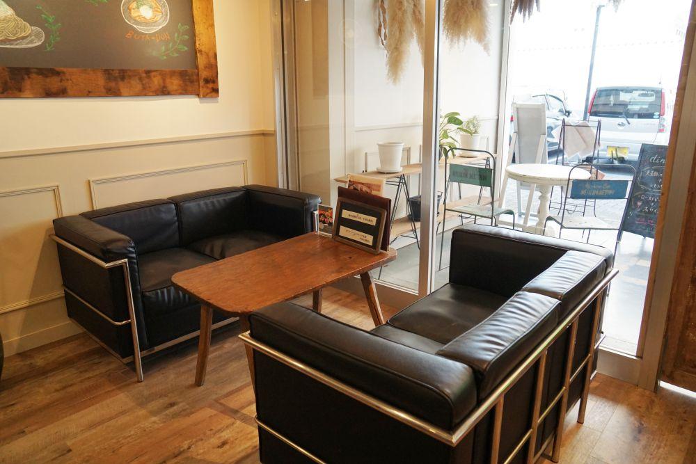 CAFE&DINING GLITTER(カフェアンドダイニング グリッター) ソファー席