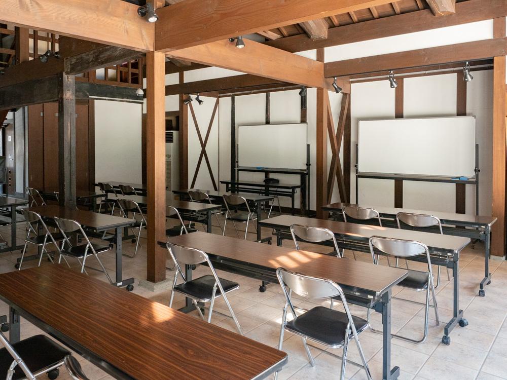 旧柚木家住宅(西爽亭):生涯学習施設(旧母屋) 第1会議室