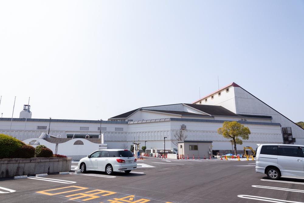 倉敷市民会館の正面