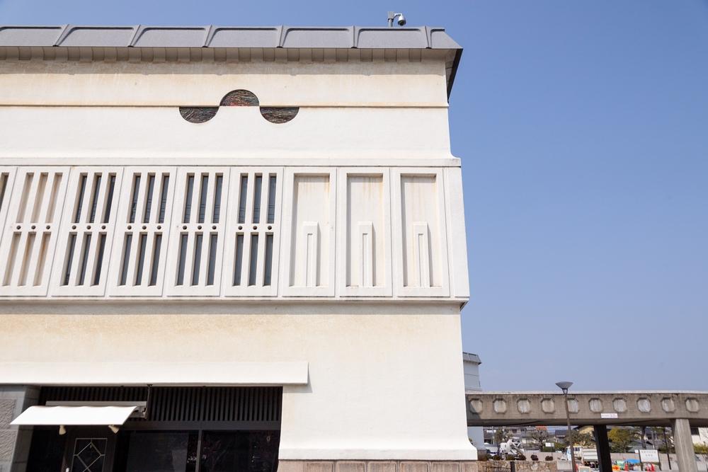 倉敷市民会館の壁2