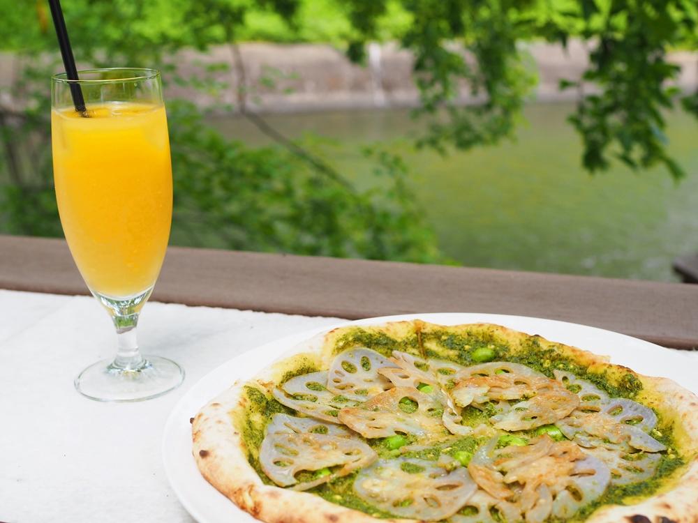 水辺のカフェ 三宅商店 酒津~ 酵母から手作り、季節と地元愛を感じるピザメニューが登場