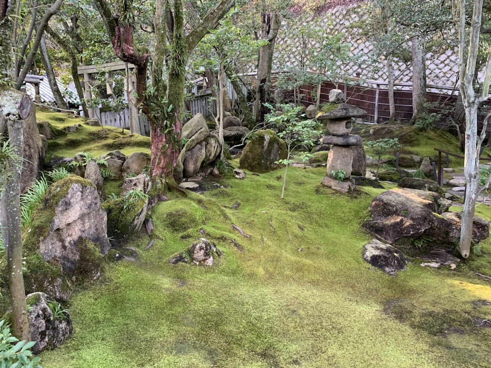 「旧野﨑邸住宅」庭園 枯山水