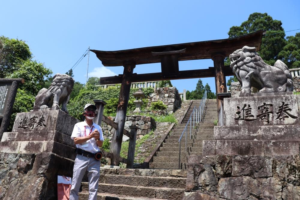 本山山神社の説明