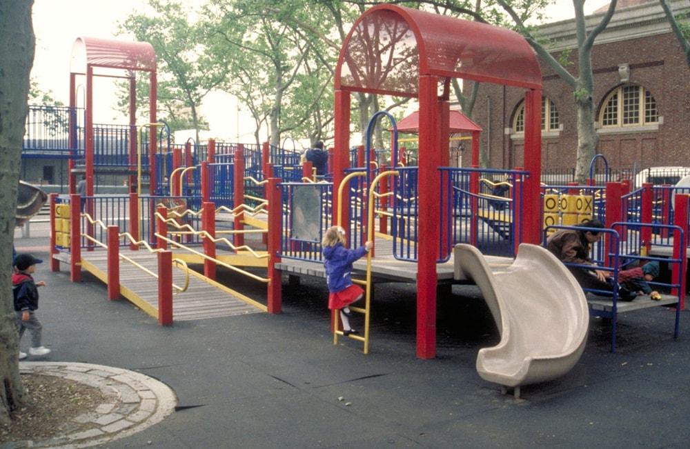 ADAを踏まえて1993年にニューヨークにできた遊び場