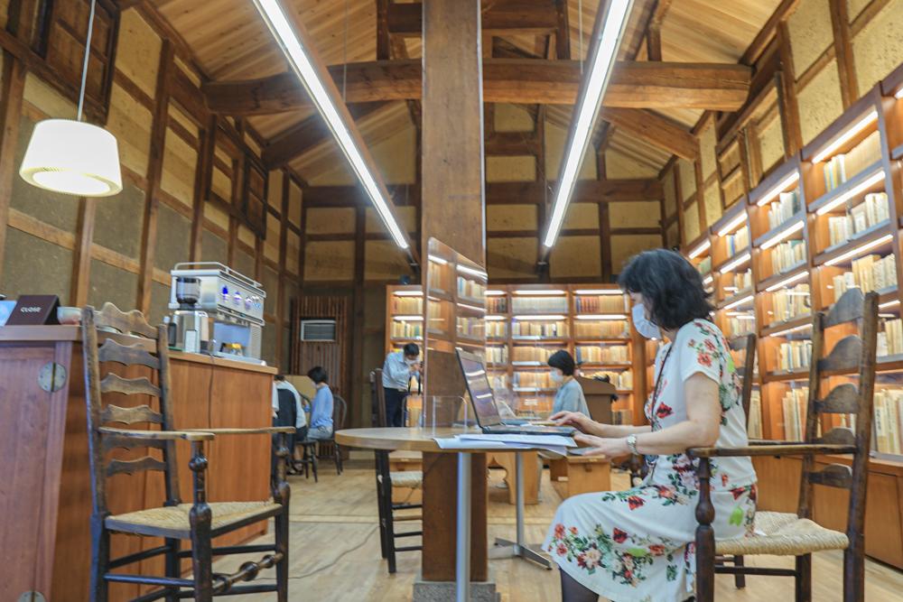 大原本邸ブックカフェ1